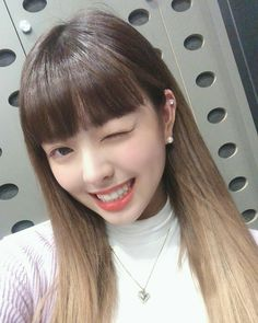 Find images and videos about itzy and yuna on We Heart It - the app to get lost in what you love. South Korean Girls, Korean Girl Groups, Programa Musical, I Love Girls, K Idols, Kpop Girls, My Girl, Rapper, Ulzzang