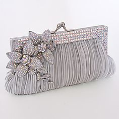 love this clutch