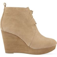 MICHAEL MICHAEL KORS Pierce suede wedge ankle boots (9.555 RUB) ❤ liked on Polyvore featuring shoes, boots, ankle booties, ankle boots, wedges, nude, wedge ankle boots, suede wedge boots, lace up boots and wedge booties