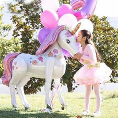 Unicorn Themed Birthday Party, Girl Birthday Themes, Unicorn Birthday Decorations, 5th Birthday, Unicorn Party Favor, Birthday Ideas, Rainbow Unicorn Party, Birthday Crowns, Balloon Birthday