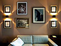 Uma townhouse no coração de Lisboa | Mutante Magazine Gallery Wall, Luxury, Home Decor, Vintage Patio Furniture, Warm Colors, Lisbon, Houses, Decoration Home, Room Decor