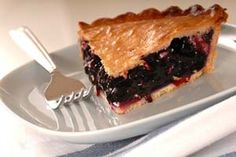 April being National Blueberry Pie Day! it's Maine Wild Blueberry Pie - Farmers' Almanac Fresh Blueberry Pie, Blueberry Pie Recipes, Fruit Recipes, Dessert Recipes, Dessert Ideas, Blueberry Desserts, Summer Recipes, Butter Crust, Recipes