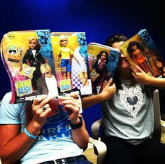 Maia and ross hanging out with their Teen Beach Movie dolls!!!! <3