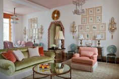 Kirill Istomin Perhaps my favorite Chinoiserie trend for 2017 is that we will be seeing a resurgence of layered traditional Chinoiserie.
