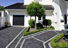 Schwarz Stahlblau   Eine Farbe, Die Die Moderne Bauweise Unterstützt Und  Haus Und Garten