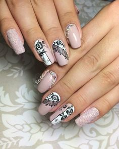 nails Source by doloresducrou Hot Nails, Pink Nails, Gorgeous Nails, Pretty Nails, Ongles Beiges, Romantic Nails, Gothic Nails, Plaid Nails, Stamping Nail Art