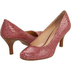 I have absolutely no use for mauve reptile pumps. But I want them. So much.