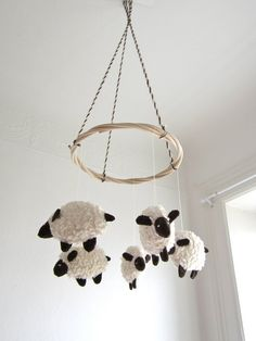 Cute idea for baby mobile. Counting sheep #makingassociations #attentionspan
