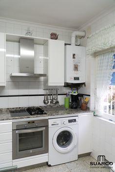 Kitchen Door Designs, Kitchen Doors, Interior Design Kitchen, Living Room Kitchen, Home Decor Kitchen, Home Kitchens, Unique Wall Shelves, U Shaped Kitchen, Home Tech