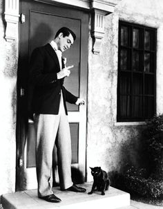 Love Cary Grant..So handsome and funny at the same time