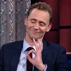 40 ideas funny marvel pics tom hiddleston for 2019 Tom Hiddleston Interview, Tom Hiddleston Quotes, Tom Hiddleston Funny, Loki Meme, Avengers Memes, Marvel Memes, Reaction Face, Mood Pics, Memes Br