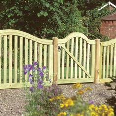 Clôture de jardin en bois de design classique
