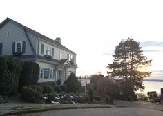 Homes in Magnolia Neighborhood of Seattle, WA