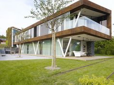 Jewel Box Villa takes energy-efficient green homes to a hip ne...