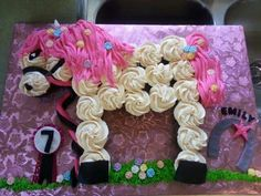 Horse cupcake cake 4th Birthday Cakes, Happy 4th Birthday, 6th Birthday Parties, Birthday Wishes, Horse Birthday, Cowgirl Birthday, Cupcake Ideas, Cupcake Cakes, Horse Cupcake