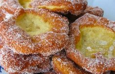 This Azores style recipe for Portuguese donuts / malassadas / filhoses from D. Leonor Santos is incredible. Donut Recipes, Tart Recipes, Cupcake Recipes, Cooking Recipes, Portuguese Desserts, Portuguese Recipes, Portuguese Food, Portuguese Sweet Bread, Portuguese Culture