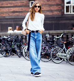 36 Inspiring Street Style Jeans Ideas For Your Spring Street Style Jeans, Street Style Looks, Looks Style, Jeans Style, Denim Fashion, Star Fashion, Fashion Photo, Street Fashion, Fashion Trends