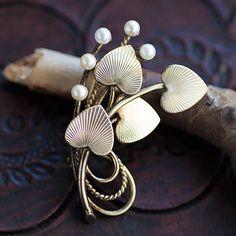 Winard-K12金-真珠の実フォー・ハート・リーブス・ブローチ