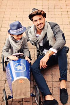 erfect fall outfits for you and your son, the hat is the key of all your look