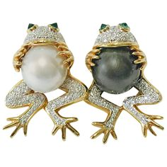 Frog Couple Brooch set with South Sea Pearls and Diamonds | From a unique collection of vintage brooches at https://www.1stdibs.com/jewelry/brooches/brooches/