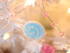 Brown Paper Packages: DIY Cutest Ever Lolly Ornaments