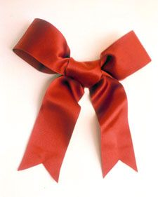 Tying a Wreath Bow - Martha Stewart Crafts