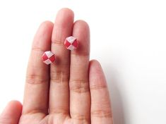 Origami jewelry – Red and pale pink origami checkerboard stud earrings, tiny woven paper earrings Paper anniversary gifts by Paperica on Etsy.