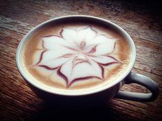 بالصور.. فن الرسم على القهوة - ساسة بوست