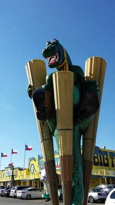 Old dinosaur outside the BIG Tex steakhouse in Amarillo, TX.