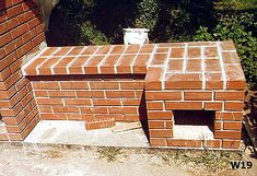 Od projektu, do wędzonek - czyli jak Wojtek Minor budował wędzarnię Smoke House Plans, Smoke House Diy, Barbacoa, Outdoor Furniture, Outdoor Decor, Solar, Backyard, Construction, Wood