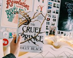 The Best Cruel Characters GIVEAWAY for The Cruel Prince!!