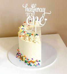 Half Birthday Baby, Half Birthday Cakes, Birthday Ideas, Cake Design For Men, 6 Month Baby Picture Ideas Boy, Cakes For Boys, Girl Cakes, Celebration Cakes, Cake Designs