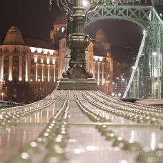 Esti séta Pestről Budára. #budapest #nightlife #lights #bridge #dslr #canonglobal #canon #nofilter #canonhun