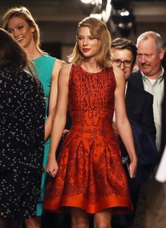 Taylor Swift and Karlie Kloss Match in the Front Row at Oscar de la Renta #InStyle