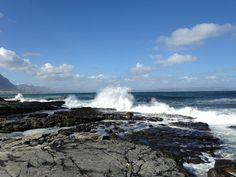 Waves breaking in Hermanus Niagara Falls, Beautiful Places, Waves, Nature, Naturaleza, Ocean Waves, Nature Illustration, Off Grid, Beach Waves