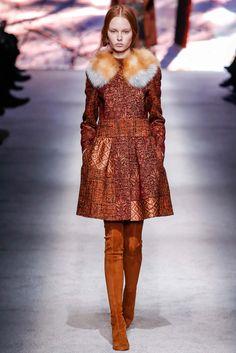 Alberta Ferretti Fall 2015 Ready-to-Wear Collection Photos - Vogue Fashion In, Fashion Week, Paris Fashion, Runway Fashion, Winter Fashion, Fashion Show, Haute Couture Style, Alberta Ferretti, Style Preppy
