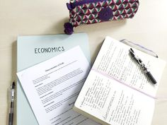 theblacklocus: 19/01/16 1:25 PM // earlier today when I was writing notes for economics in the library