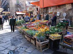 fruit and veggie vendor in Palermo