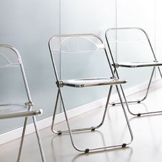 Plia, Castelli collection,  Haworth, Giancarlo  Piretti, 1967 The ability to easily  produce plastic bodies  leads to smooth edges  and objects with less  aggressive shapes. - Soft Geometric - *The Sixties: Plastic and Freedom*