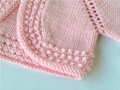 Baby Jersey With Drawing In Ranglan Whos - Diy Crafts - Qoster Diy Crafts Knitting, Knitting For Kids, Free Knitting, Diy Crafts Crochet, Baby Cardigan Knitting Pattern, Baby Knitting Patterns, Baby Patterns, Gilet Crochet, Knit Or Crochet