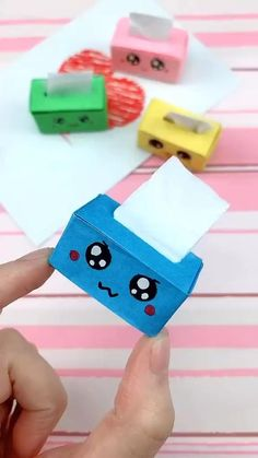 Make a cute paper tissue box Cool Paper Crafts, Paper Crafts Origami, Diy Paper, Fun Crafts, Paper Art, Ag Doll Crafts, Kawaii Crafts, Diy Crafts Hacks, Diy Crafts For Gifts