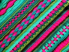 Mijn Haakblog: Baby Dekentje Gehaakt van de welbekende Royal wol van de Zeeman en de Saskia wol van de Wibra met haaknaald nr. 4