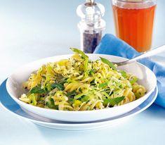 Gemüselauch bringt einen grünen Farbtupfer in dieses Gericht und hat nach einer kurzen Garzeit auch noch einen schönen Biss.