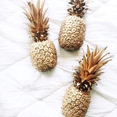 We want one!! #goldenpineapple . . . #pineapple #fruit #natural #organic #wellbeing #wellness #health #fitness #healthfitness #beauty #naturalbeauty #organicbeauty #vegetables #lifestyle #food #recipes #photography #organicliving #makeup #gold #rosegold #glamour #glam #luxury