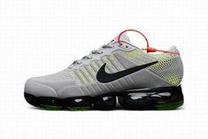 Zapatillas Hombre Nike Air VaporMax Gray #NikeVapormax Air Max Sneakers, Sneakers Nike, Nike Air Vapormax, Popular, Gray, Shoes, Shoes Sneakers, Nike Men, Barefoot