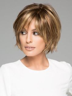 New Bob Haircuts 2019 & Bob Hairstyles 25 Bob Hair Trends for Women - Hairstyles Trends Short Hair With Bangs, Short Hair With Layers, Short Hair Cuts For Women, Short Hair For Chubby Faces, Short Hairstyles For Women, Hairstyles With Bangs, Cool Hairstyles, Short Haircuts, Hairstyle Hacks
