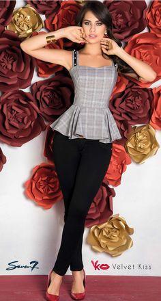 13 Ideas De Jeans Seven 7 Outfits Mujer Unas Azules Jeans De Moda
