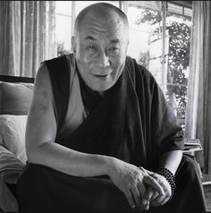 """Giving up attachment to the world does not mean that you set yourself apart from it. Generating a desire for others to be happy increases your humanity. As you become less attached to the world, you become more humane. As the very purpose of spiritual practice is to help others, you must remain in society."" These words of wisdom come from the master, HH Dalai Lama. Übersetzung anzeigen"