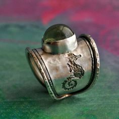 Seahorse Ring - love the shape