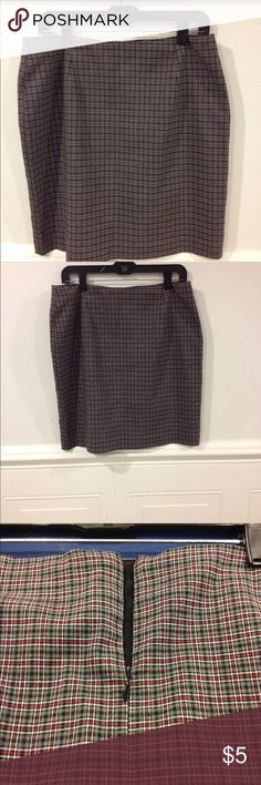 Tailor B Moss size 14 skirt good condition Size 14 Tailor B Moss skirt good condition Tailor B. Moss Skirts